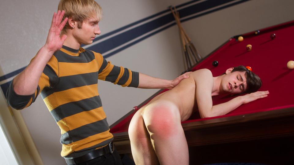 free-gay-videos-paiful-spank-porn